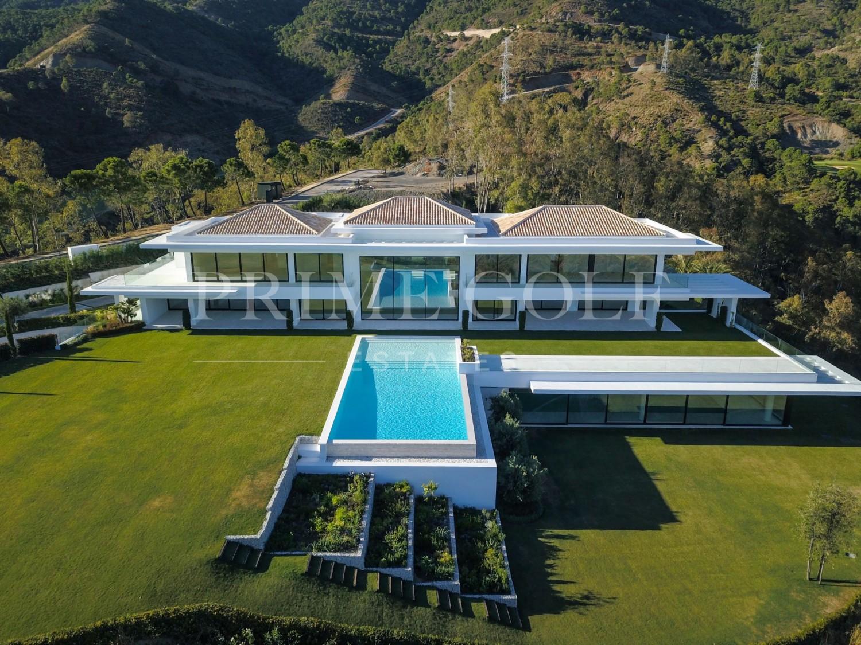 9 Bedroom Villa